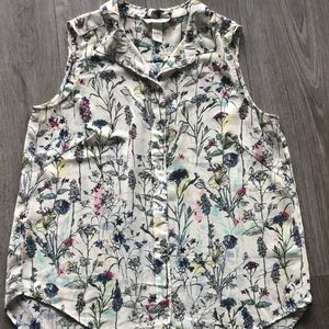 H&M | Floral Button Down Sleeveless Top